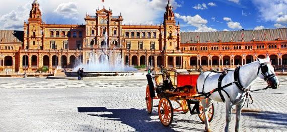 Sevilla y sus rincones en coche de caballos.