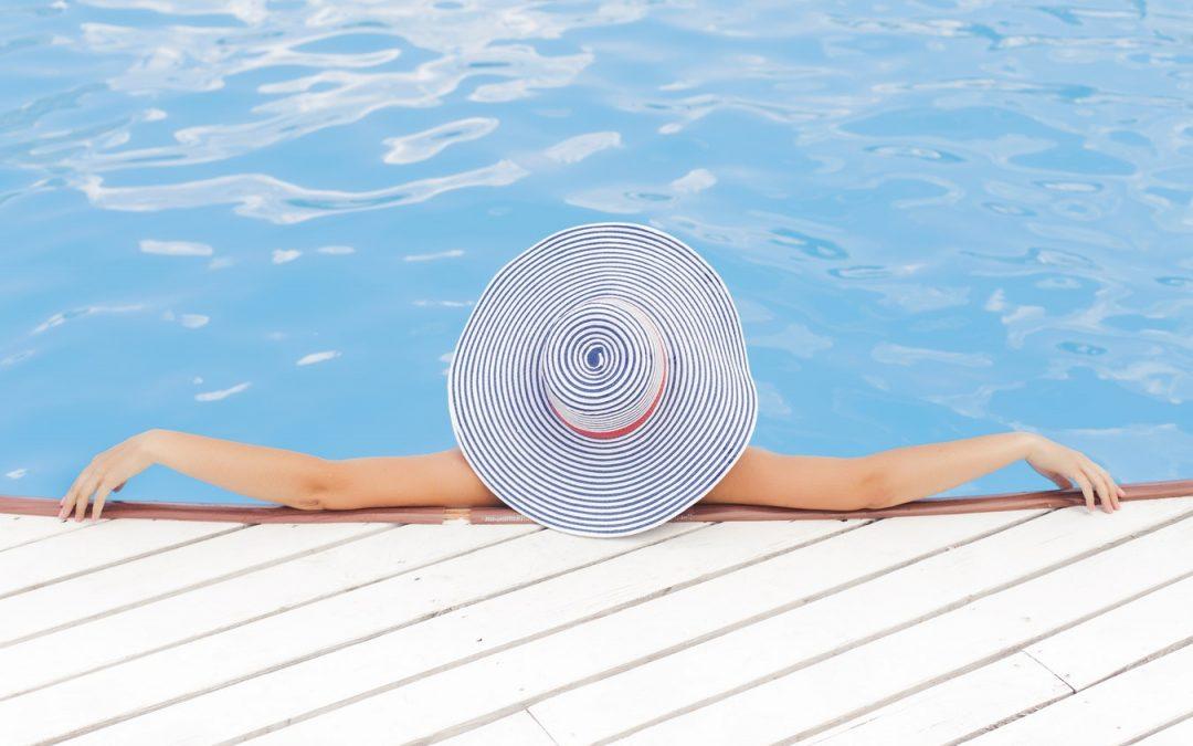 Coche y piscina, combinación veraniega