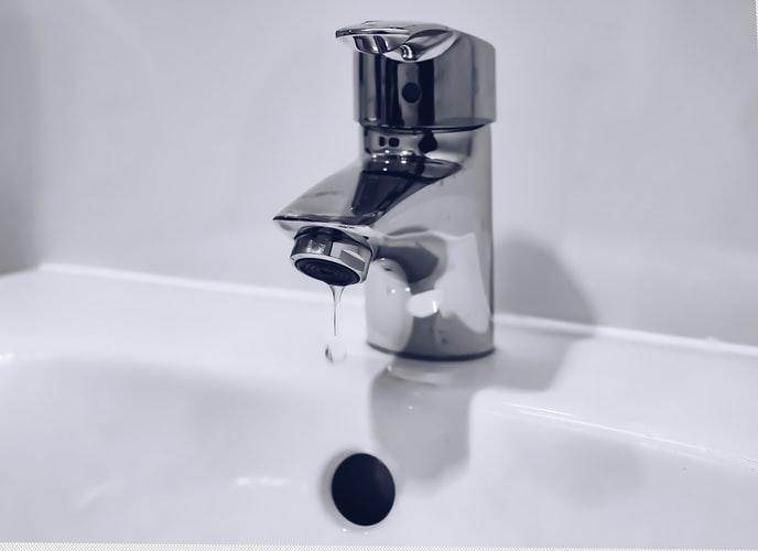 Goteras y suministros de fontanería en Sevilla
